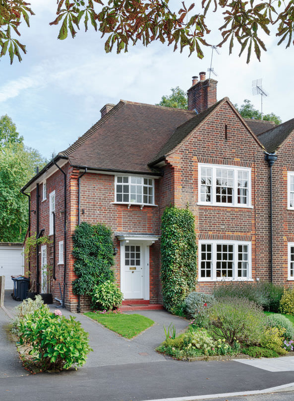 brick tinting an old english house